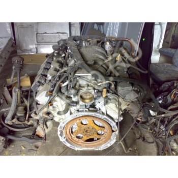 Двигатель V8 500 Mercedes