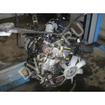 nissan pathfinder D40 2.5dci Двигатель