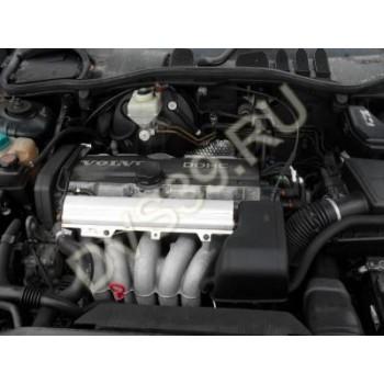 VOLVO V70 2.5 E Двигатель