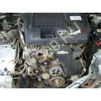 TOYOTA HILUX 2.5 D4D 2008R Двигатель