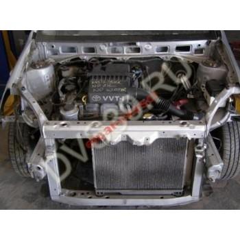 Двигатель  Toyota Yaris 1.0 99-04 wszyskie