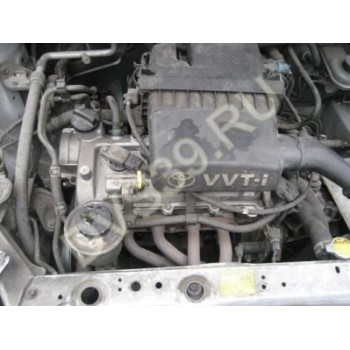 Toyota Yaris 01r Двигатель 1,0  Japonia