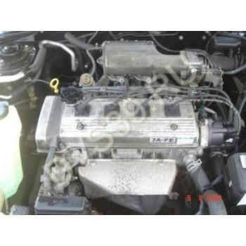 TOYOTA CARINA E 1.8 16V Двигатель