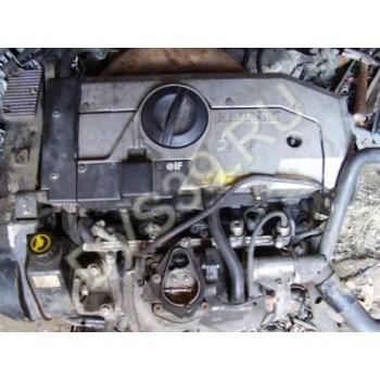 RENAULT SAFRANE 2.2 J12S Двигатель