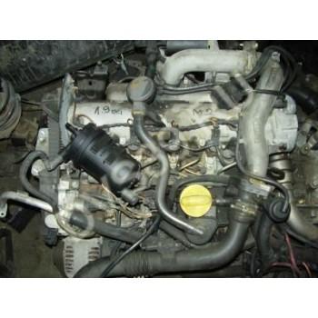 MEGANE 2-1.9DCI Двигатель F9Q B 800