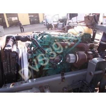 VOLVO FL7 Двигатель