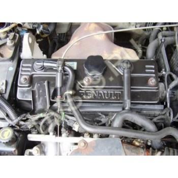 RENAULT SAFRANE 2.2 BENZ Двигатель