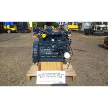 Kubota V2403M двигатель