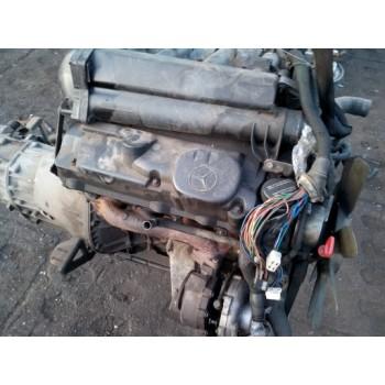 MERCEDES SPRINTER 2,2 CDI двигатель 611981 в сборе